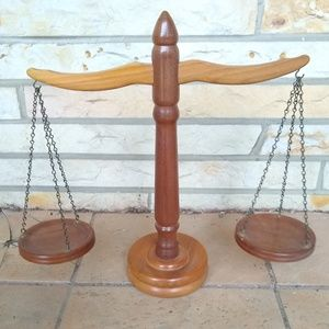 Other - Vintage decorative wooden farmhouse scale
